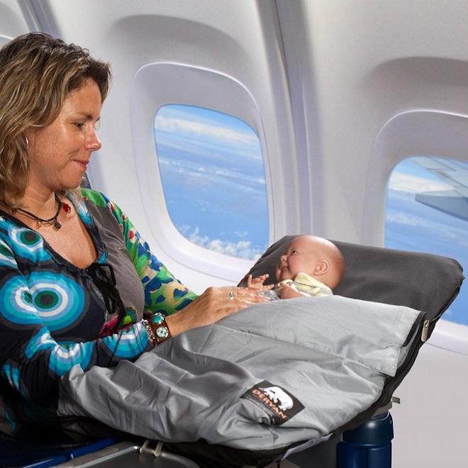Ligg och sittmadrass till flyg Deran Airtraveller
